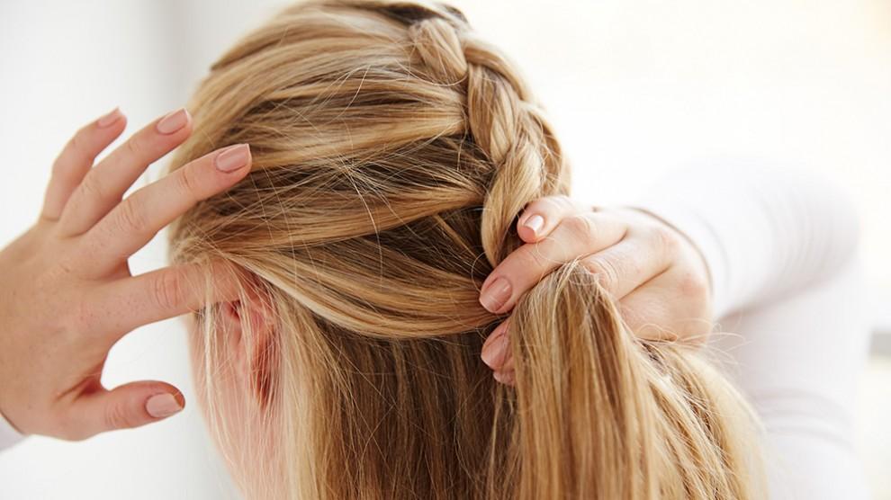 چگونه موهایتان را فرانسوی ببافید؟