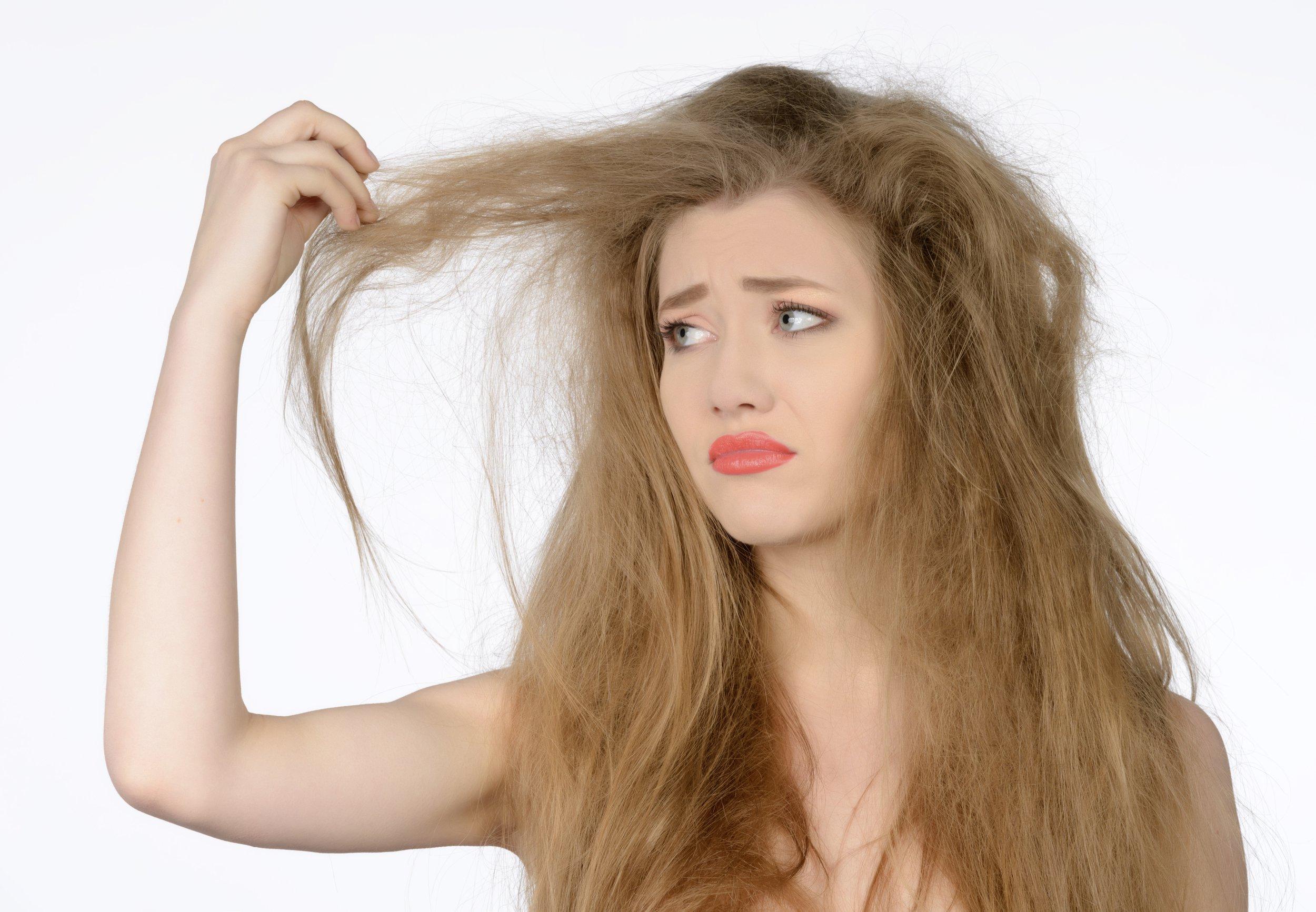 نکات آموزشی درمورد موهای خشک و پر استرس
